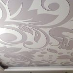 Тканевый потолок с узором